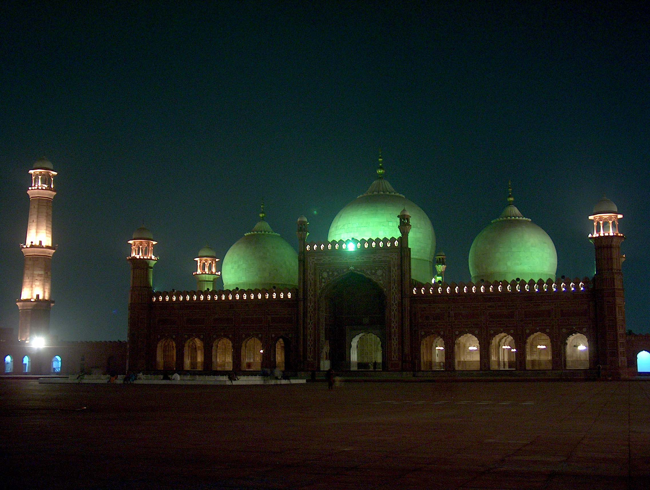 The 17th century Badshahi Mosque built by Mugh...