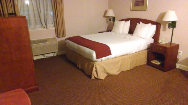 Hotel Room with Queen Size Bed