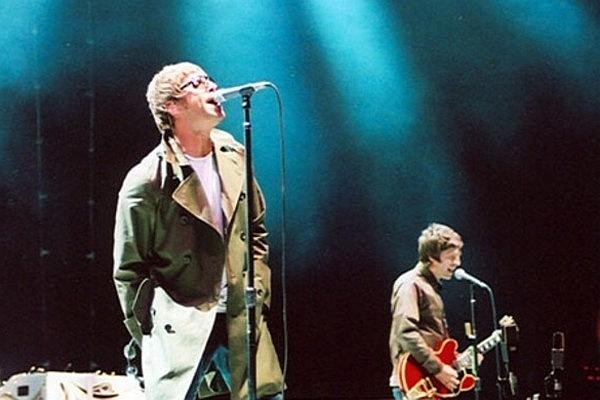 File:Oasis Liam and Noel.jpg