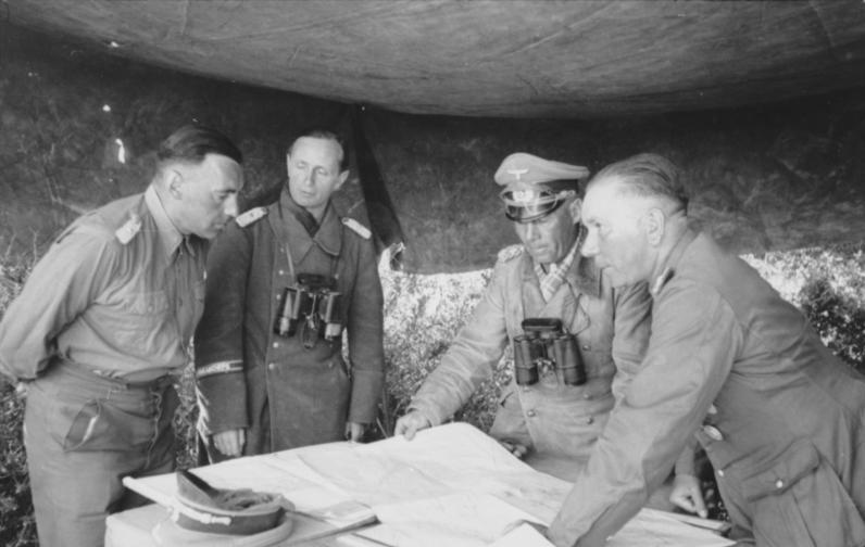 File:Bundesarchiv Bild 101I-784-0203-14A, Nordafrika, Bayerlein, Rommel, Nehring.jpg