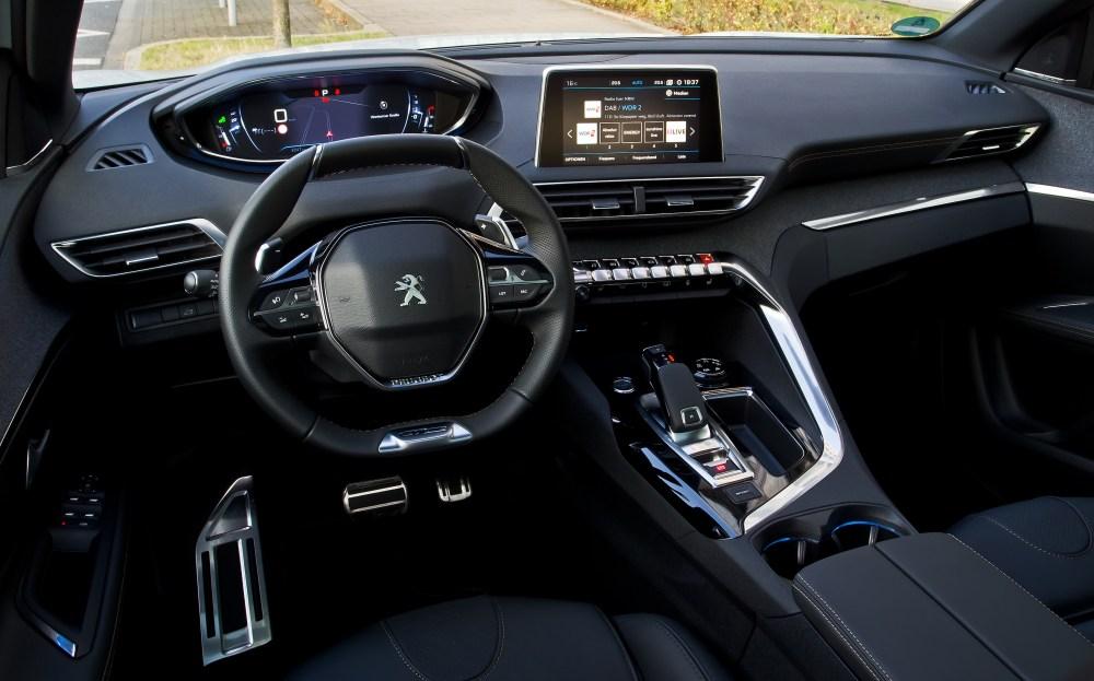 medium resolution of interior peugeot 3008 hybrid4