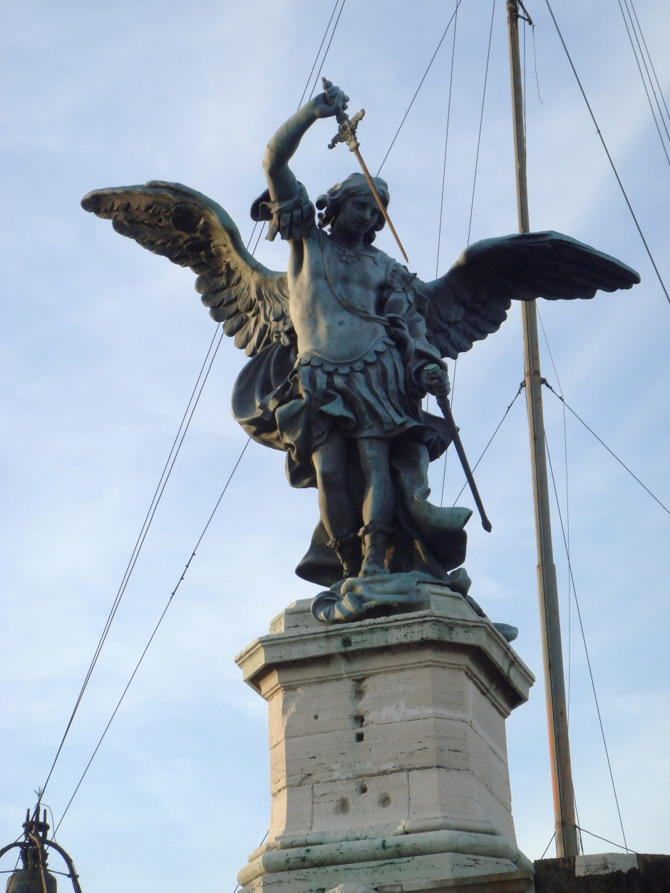 São Miguel, estátua no topo de Castel Sant'Angelo, Roma
