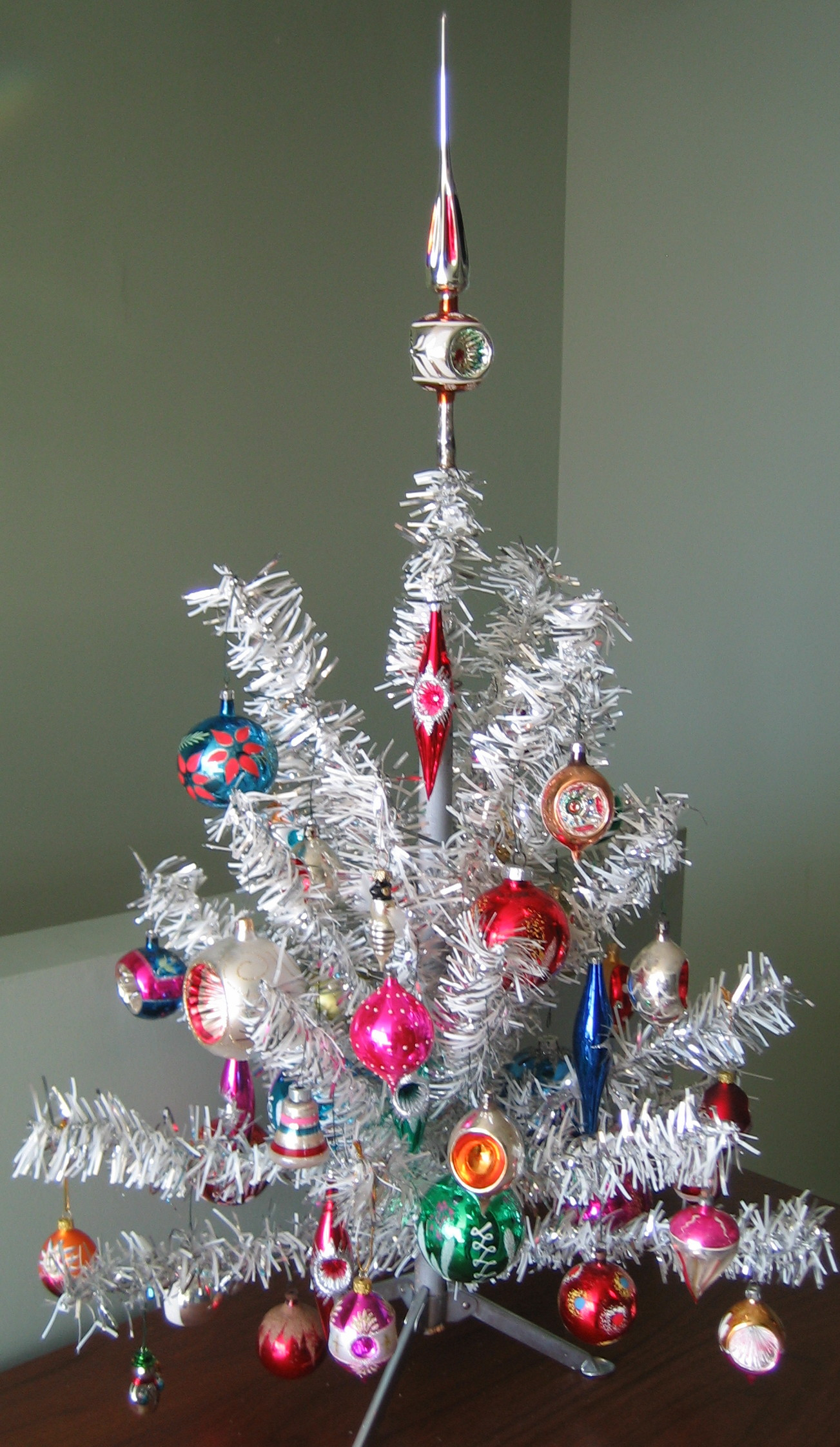 FileAluminum Christmas Tree2jpg Wikipedia