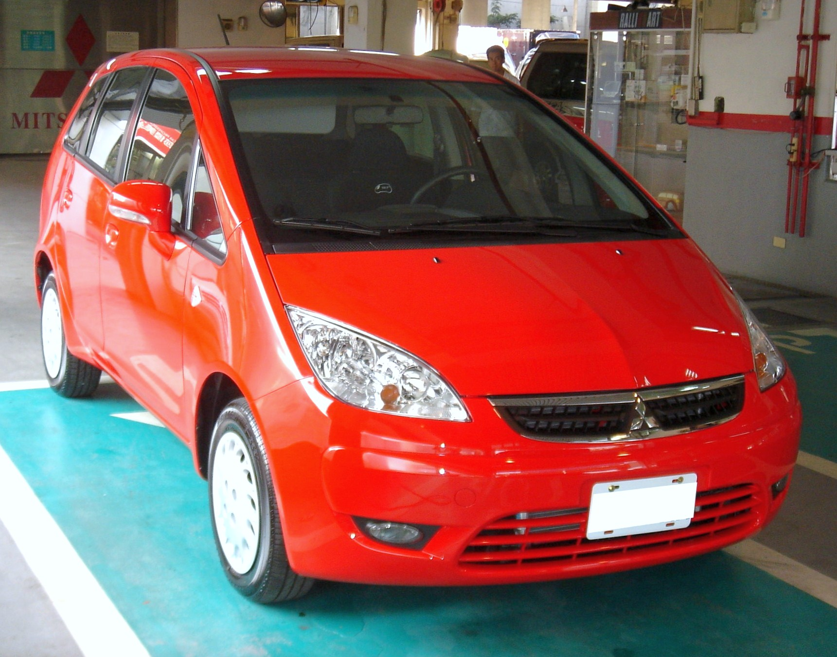 hight resolution of mitsubishi colt plus 2004 2013