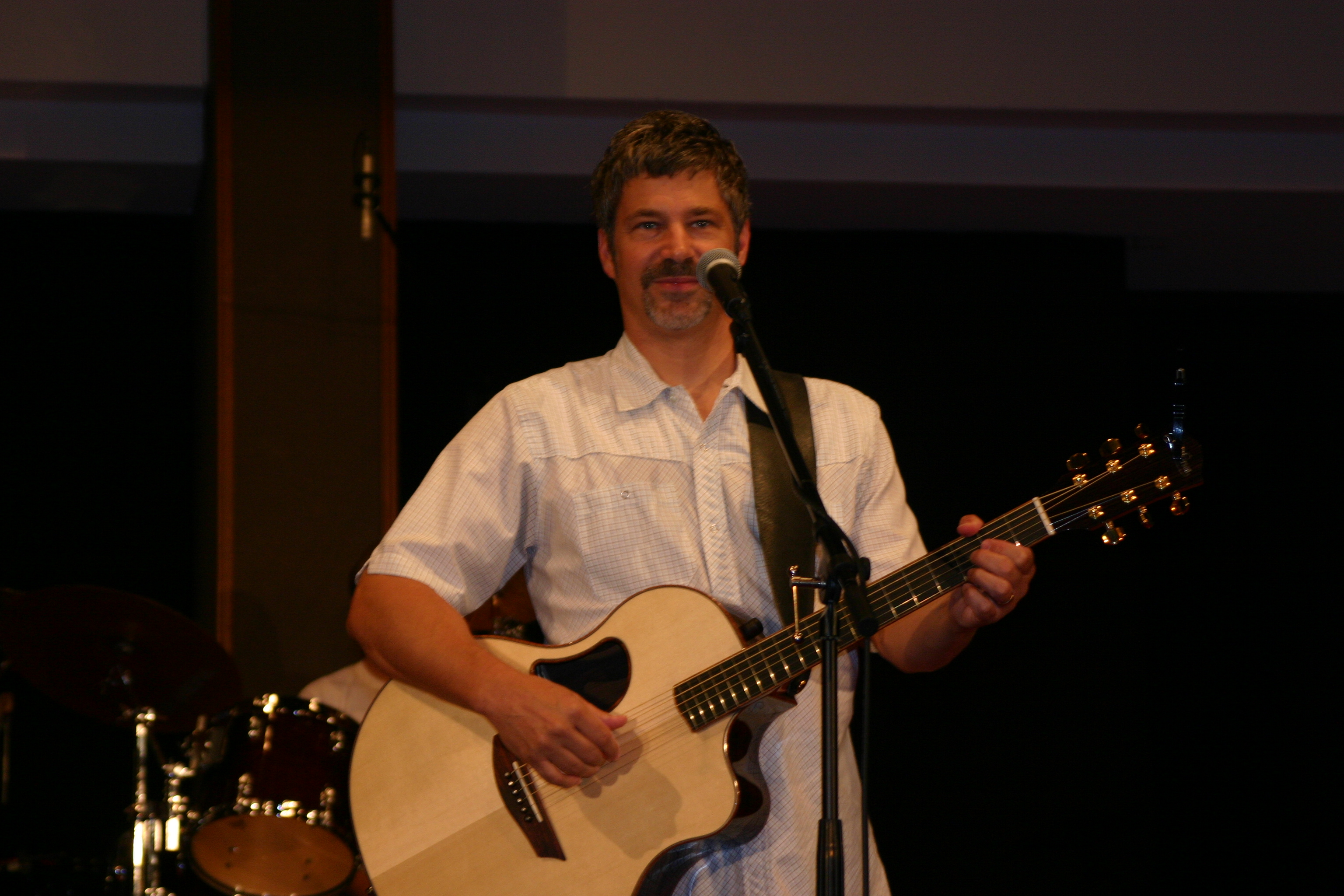 English: Paul Baloche in concert at St. John L...
