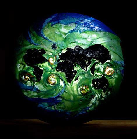 English: Polyethylene heat welded sculpture ma...