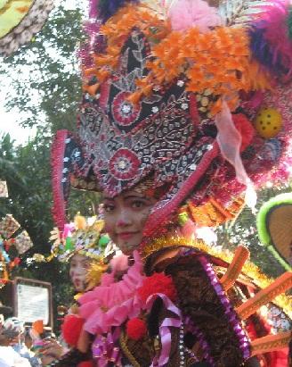 Berkas:Solo batik carnival.jpg