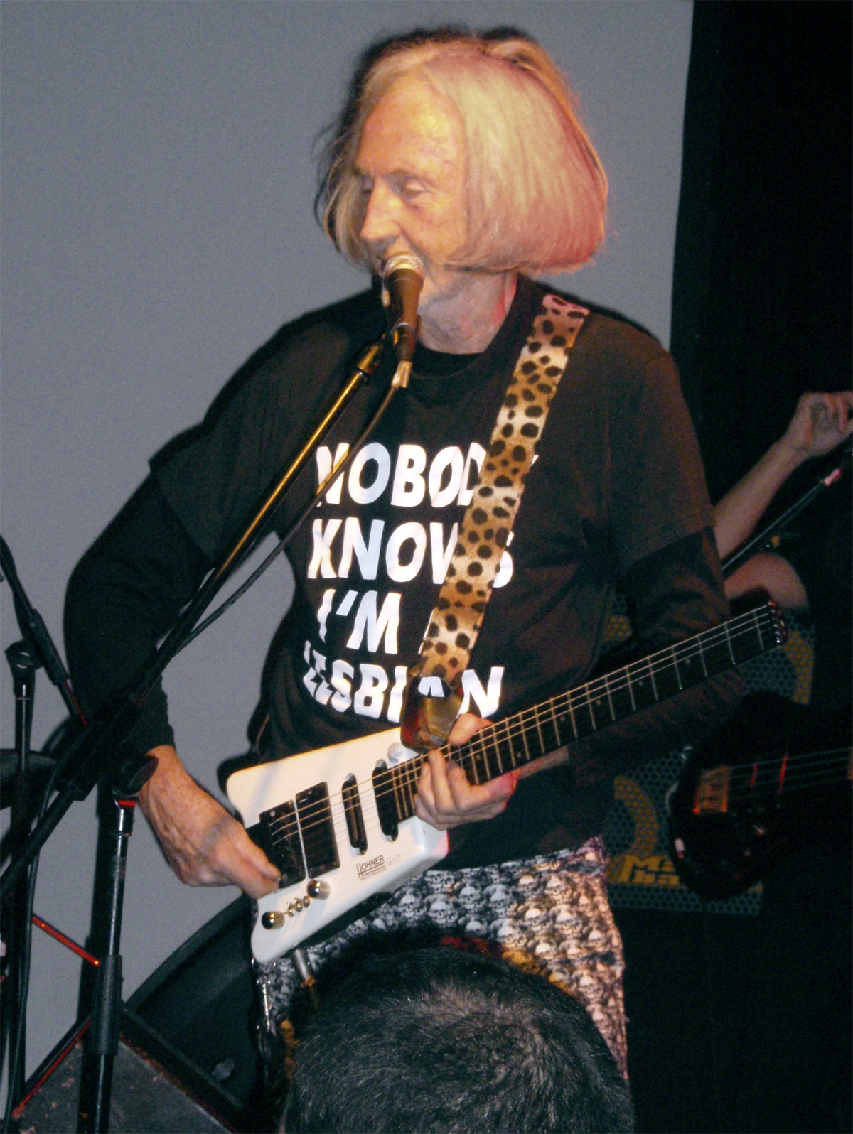 Daevid Allen playing at the Zappa Club, Tel Aviv in 2009