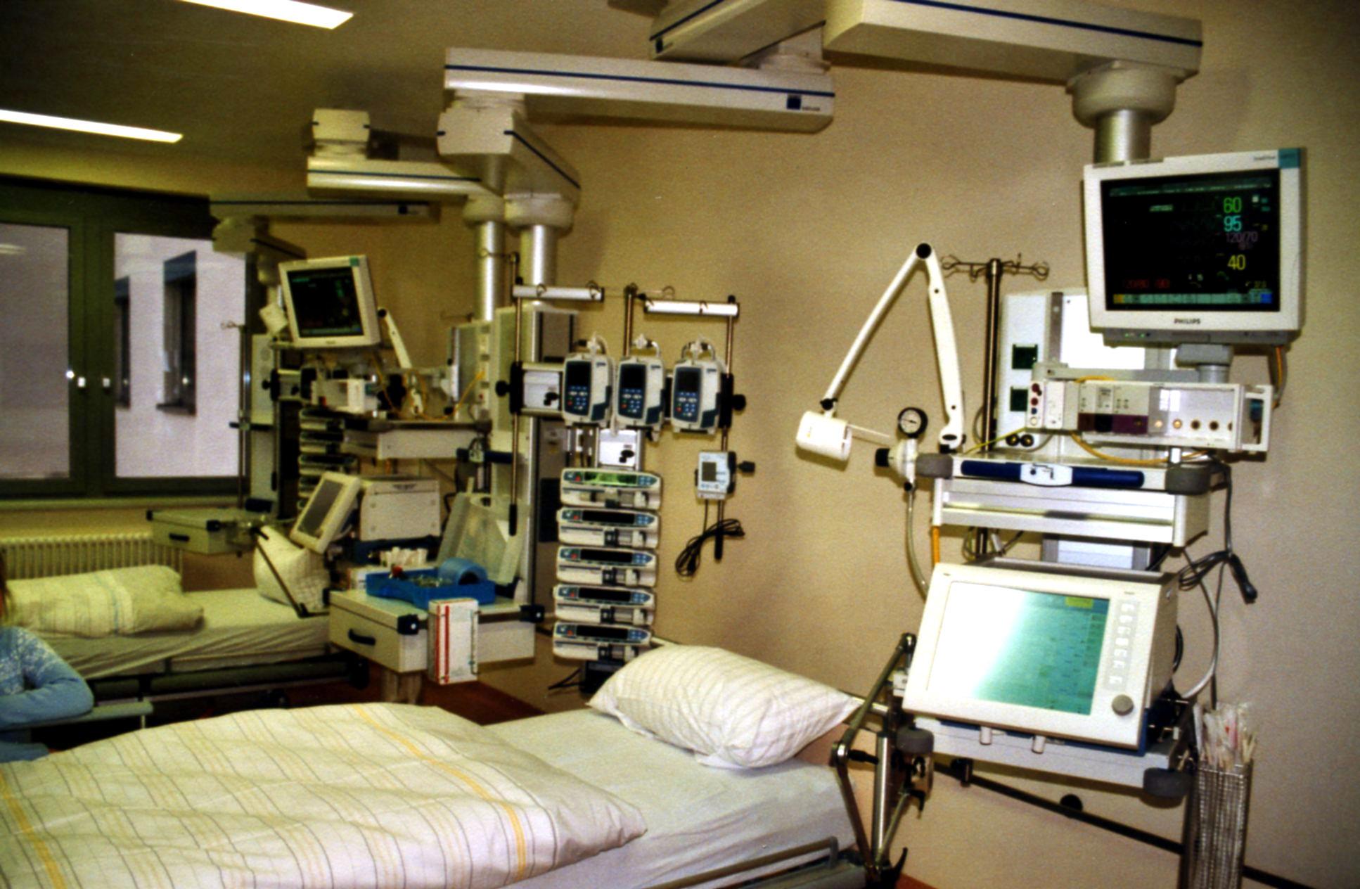 Intensive Care Unit Wikipedia