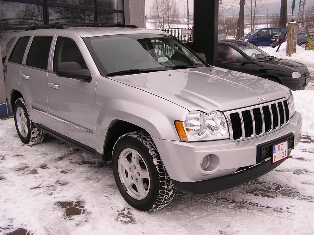 medium resolution of file jeep grand cherokee 2005 jpg