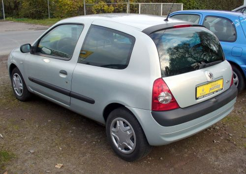 small resolution of file renault clio ii phase ii 1 2 confort authentique heck jpg