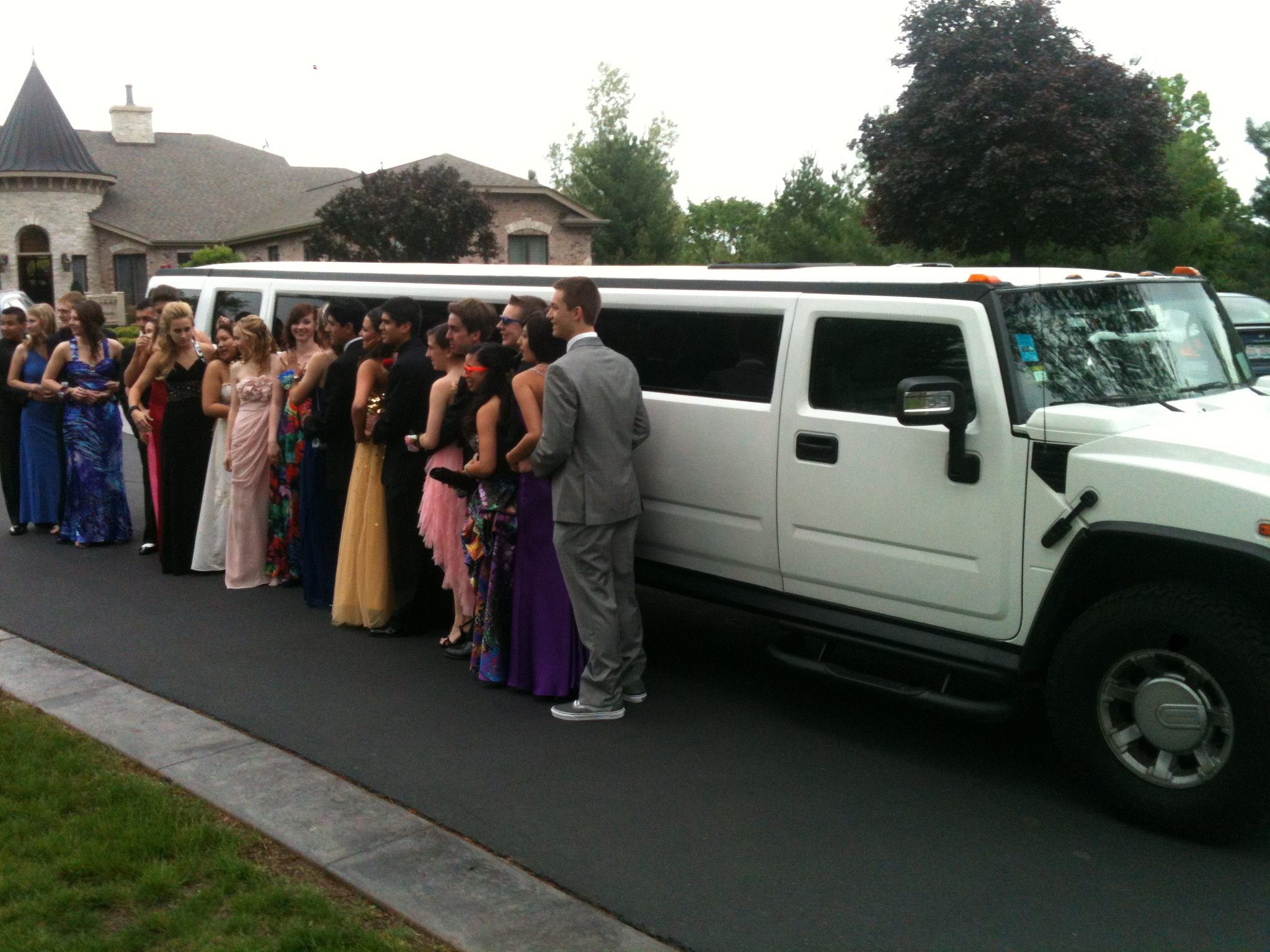 File Hummer Limo used for Prom Wikimedia mons