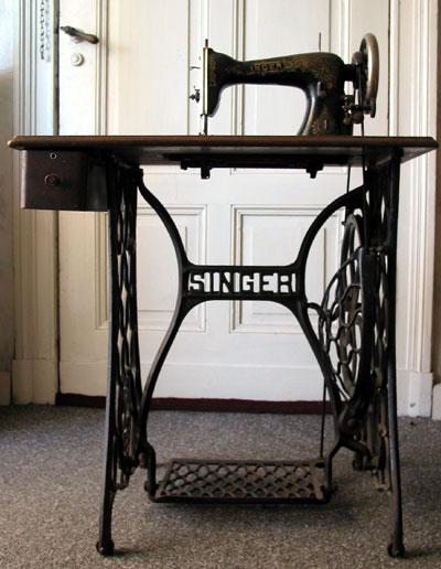 1980 Singer Sewing Machine : singer, sewing, machine, Singer, Corporation, Wikipedia
