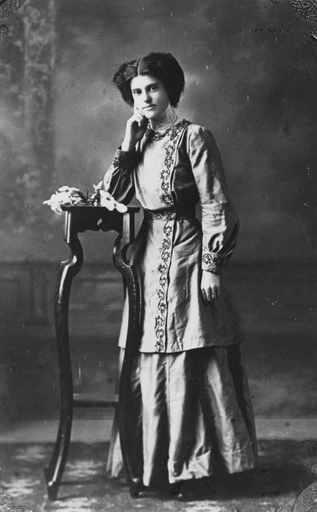 StateLibQld 1 74242 Woman posing for a portrait%2C wearing an embroidered jacket%2C 1910 1920 Portrait Collar Blouse