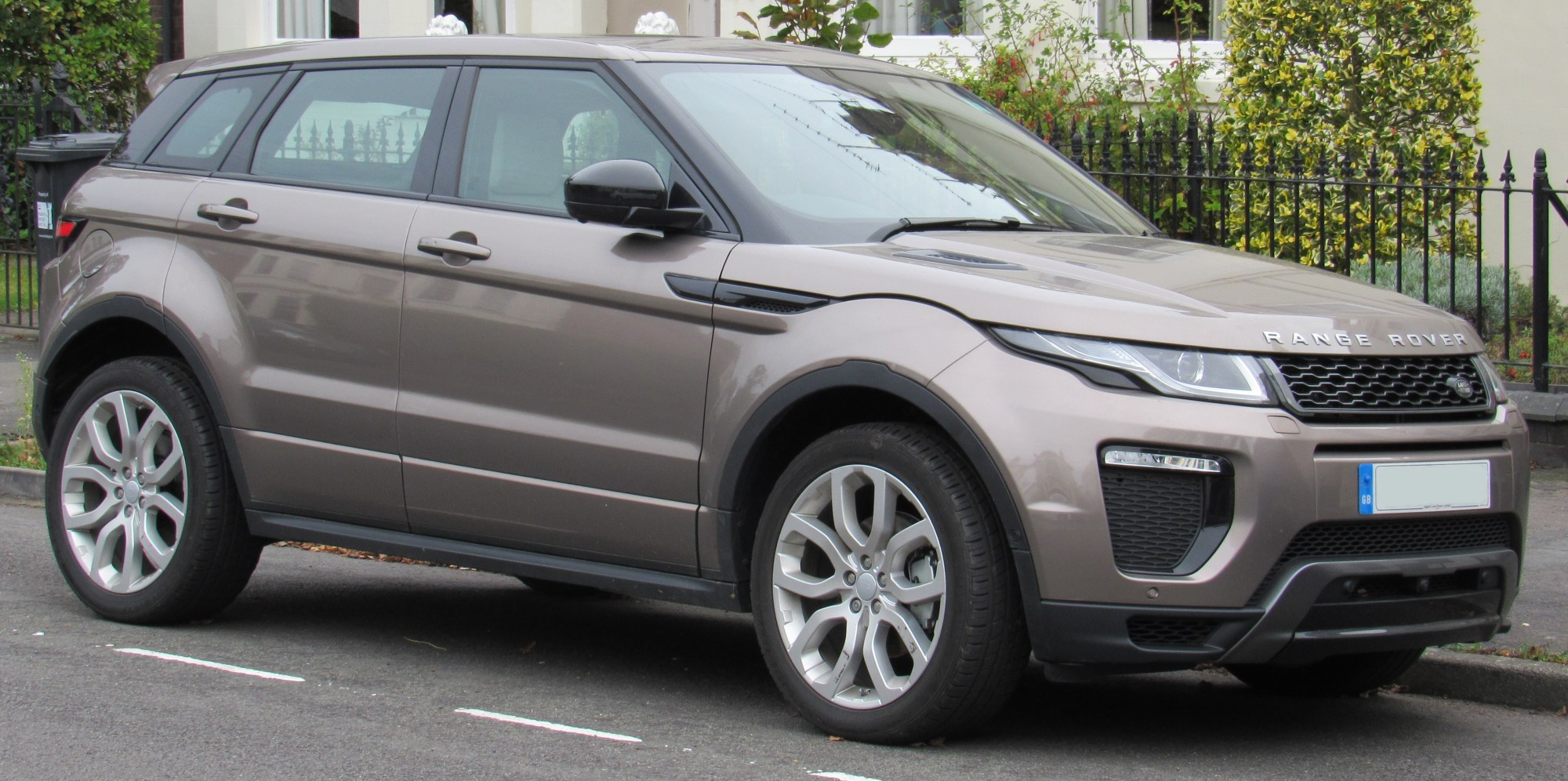 hight resolution of range rover evoque hse facelift
