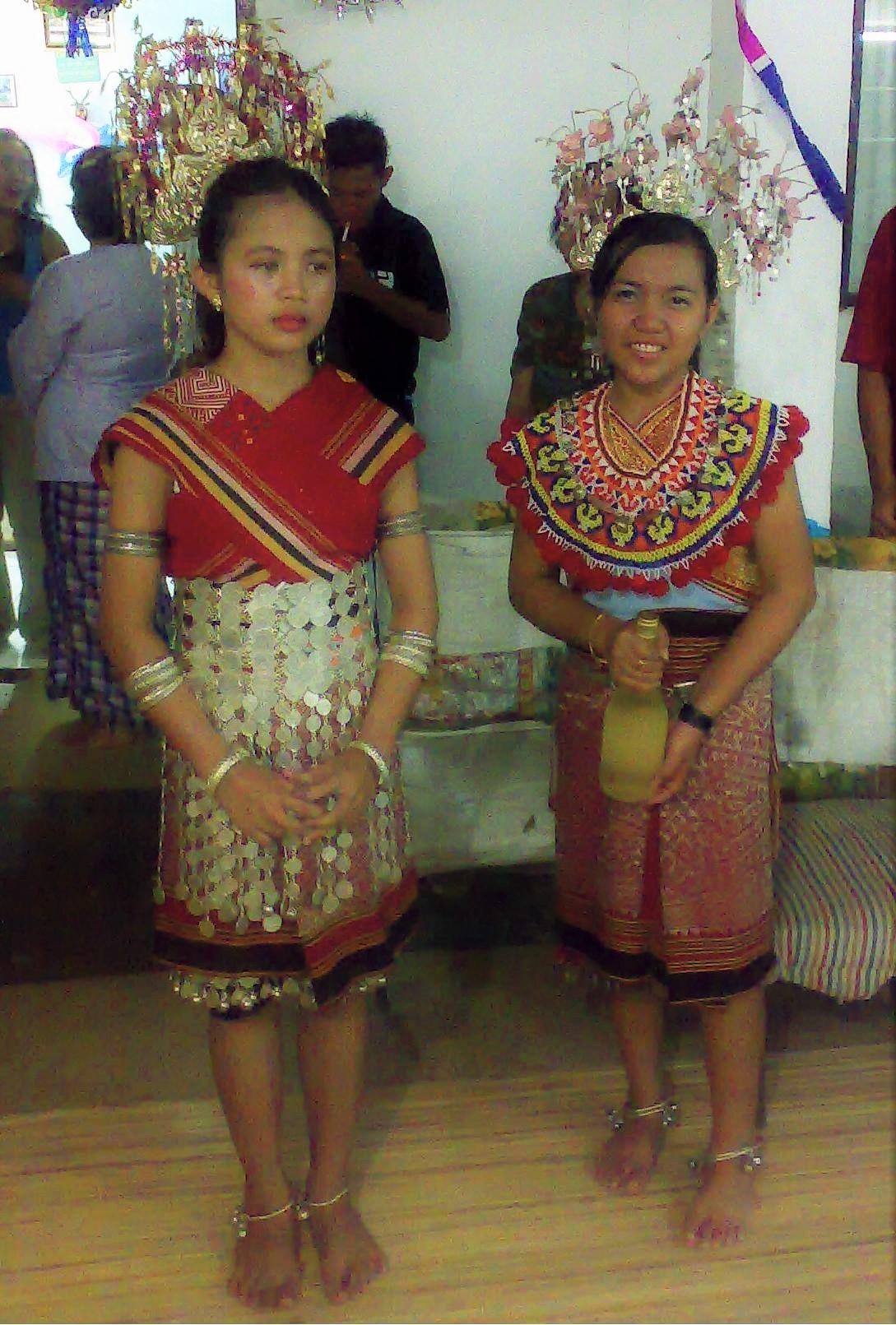 Suku Bangsa Di Brunei Darussalam : bangsa, brunei, darussalam, Dayak, Wikipedia, Bahasa, Indonesia,, Ensiklopedia, Bebas