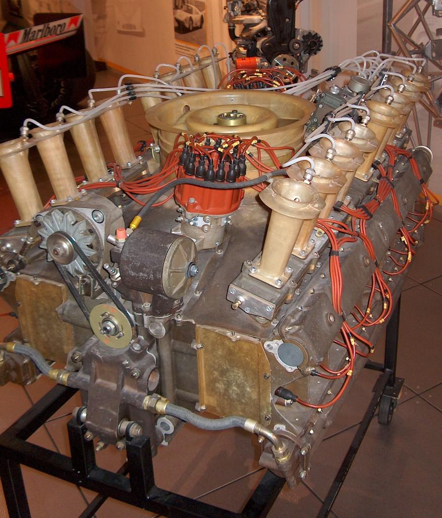 hight resolution of flat sixteen engine