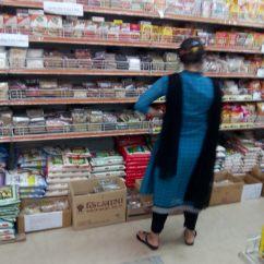 7 Way Navigation Gibson Es 335 Wiring Diagram File:woman Buyer At Shopping Mall, Dhaka 2014.jpg - Wikimedia Commons