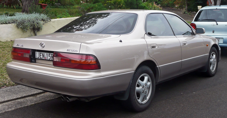 File 1992 1994 Lexus ES 300 VCV10R sedan 2010 06 17 02