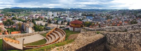 File:Panorama Dobojska tvrđava.jpg - Wikimedia Commons
