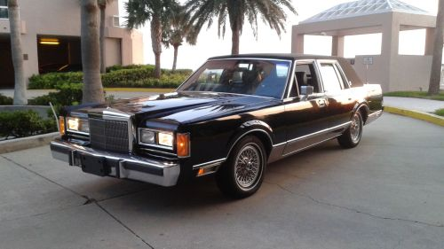 small resolution of file 1989 lincoln town car jpg