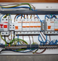file linnam e 37 fuse box is wired jpg [ 3648 x 2736 Pixel ]