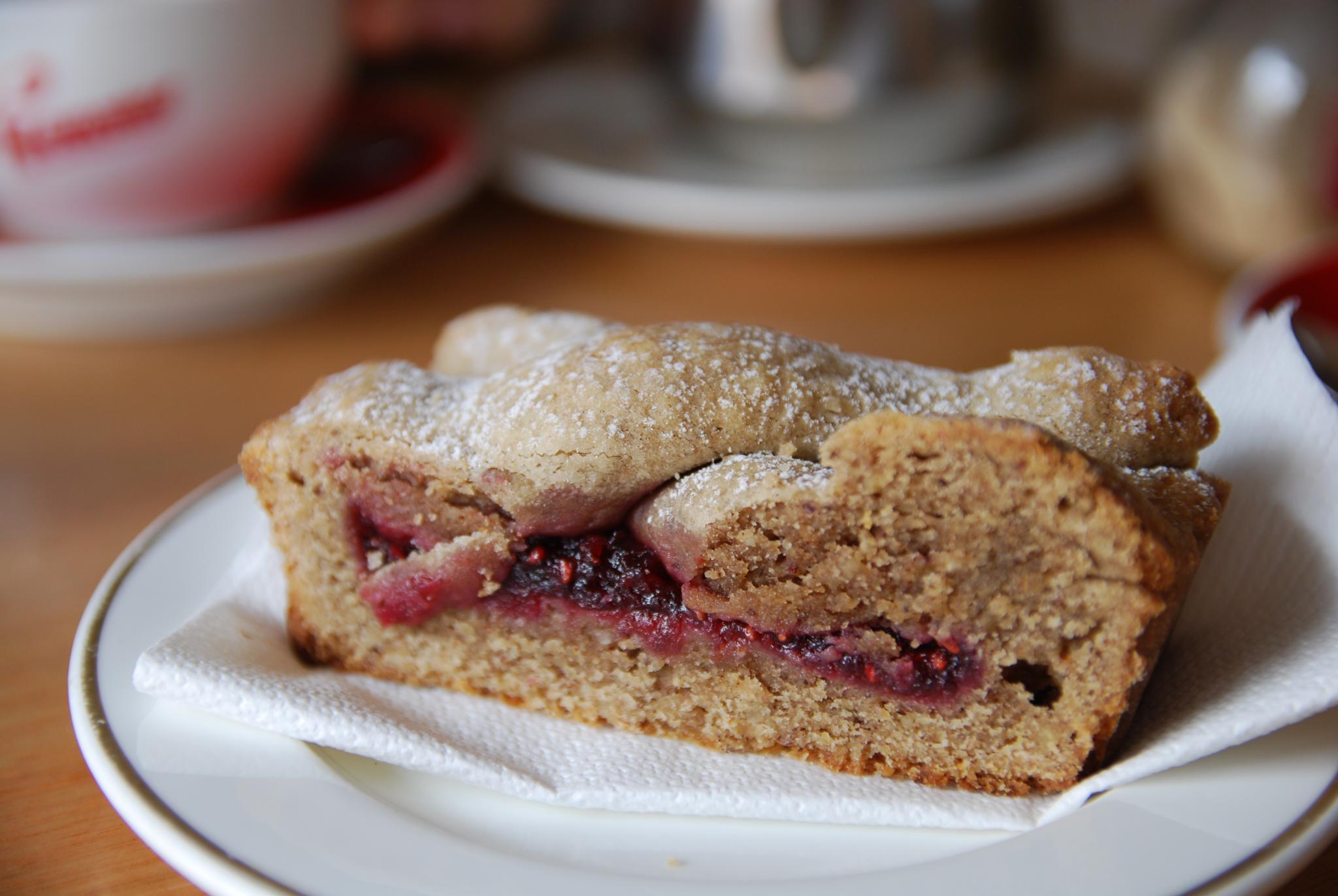 FileLinzer Torte at Hawthorn Victoria bakeryjpg