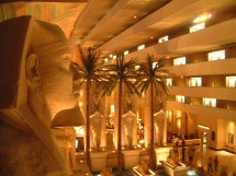 File Luxor Hotel Lobby & Rooms Las Vegas 925902629