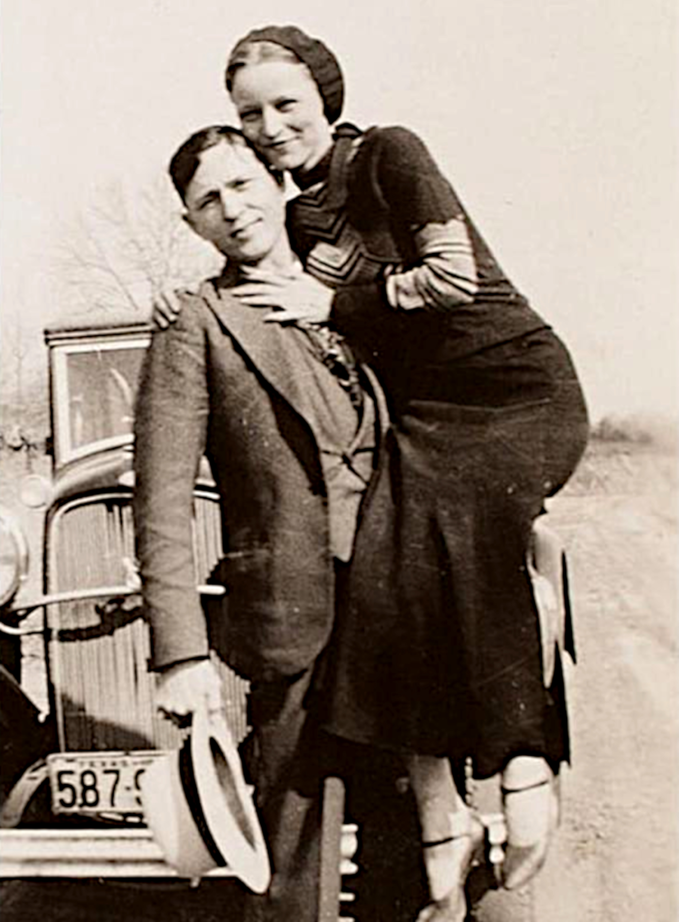 Bonnie and Clyde in 1933 - Wikimedia