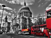 File:St. Paul's Cathedral black white and red.jpg ...