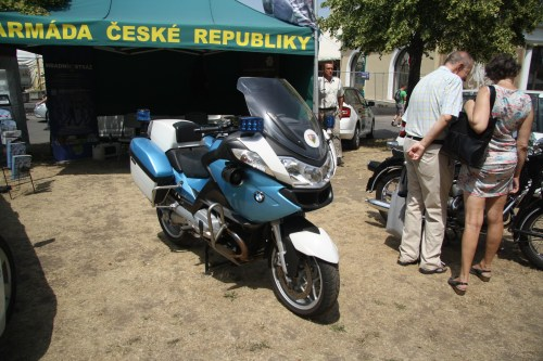 small resolution of file bmw police motorcycle at legendy 2018 in prague jpg