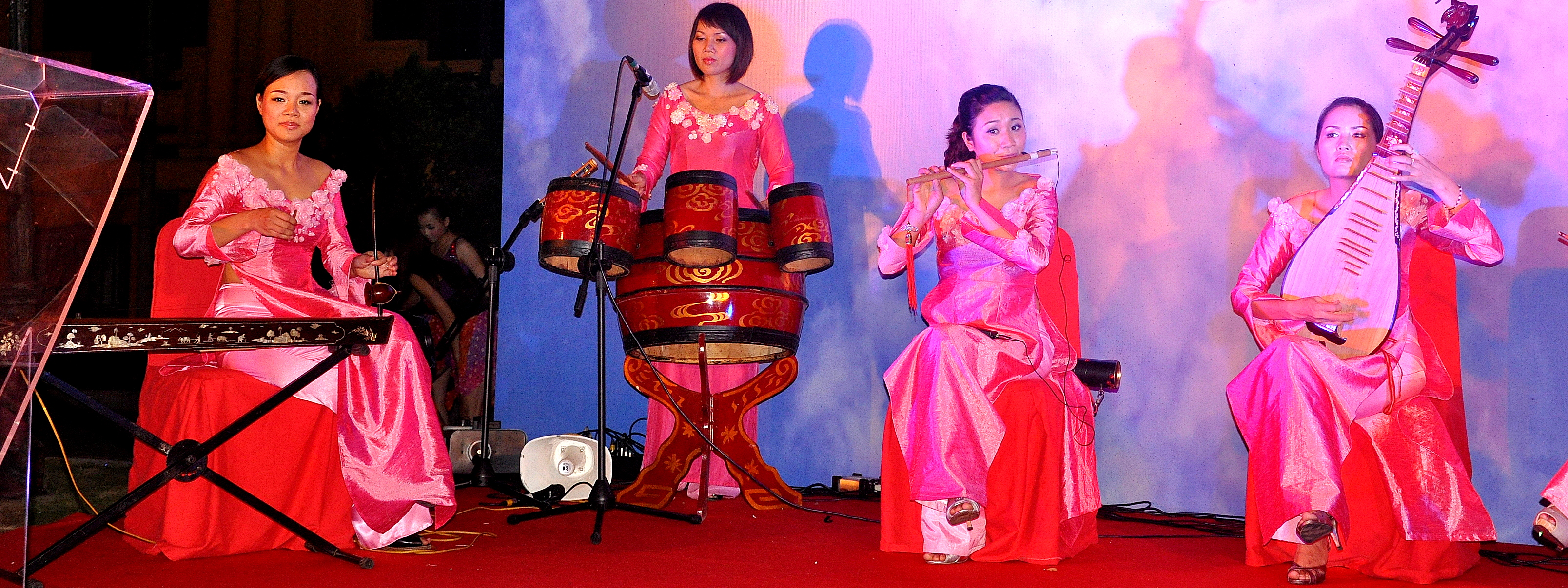 file traditional vietnamese music