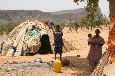 https://i0.wp.com/upload.wikimedia.org/wikipedia/commons/8/81/Fulani_people,_Mali.jpg?resize=400%2C266&ssl=1