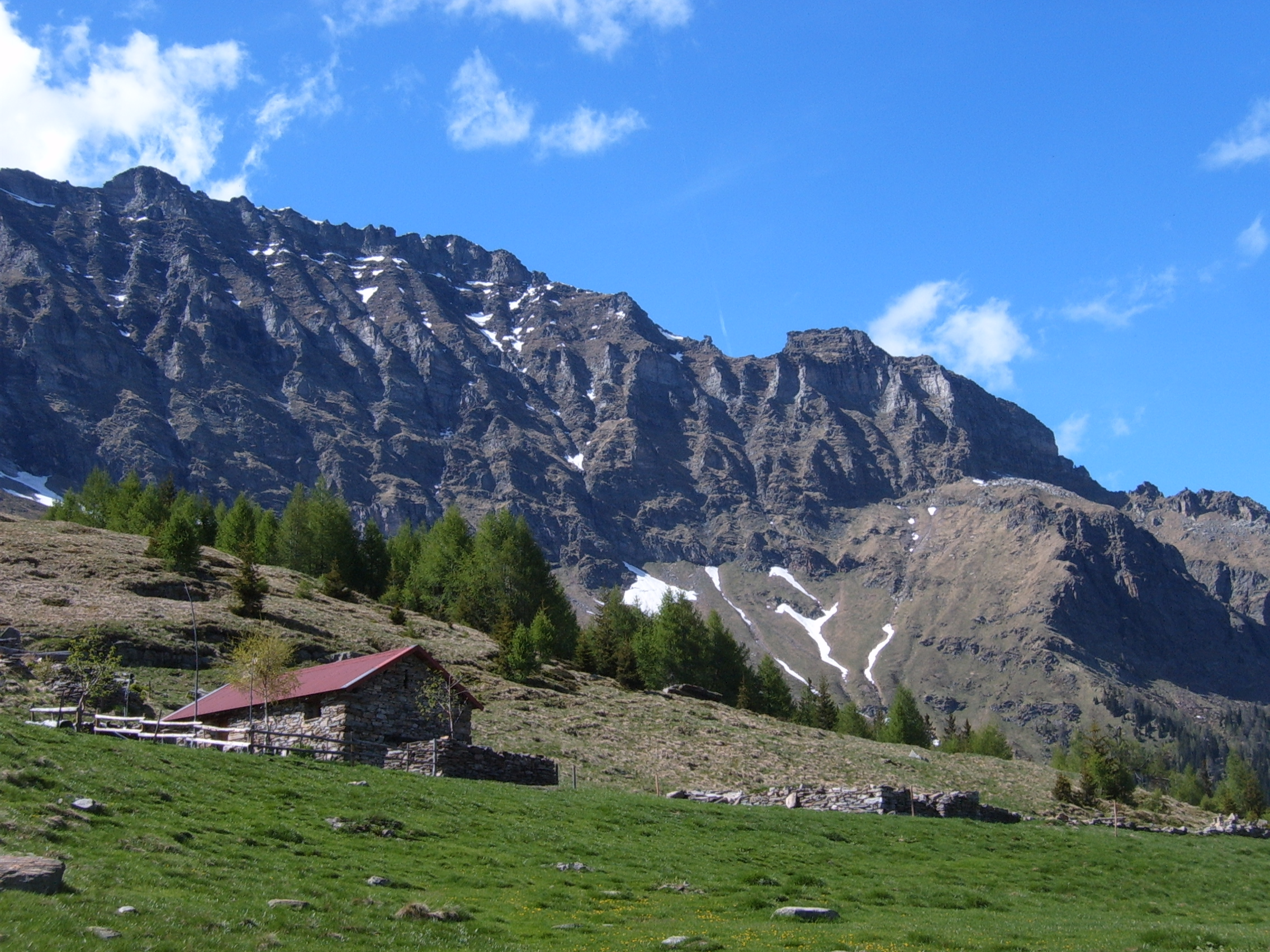FileCalanca Alp de Cascinarsajpg  Wikimedia Commons