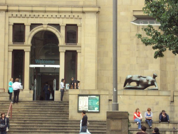 File Leeds City Art Entrance And Henry Moore Sculpture Headrow