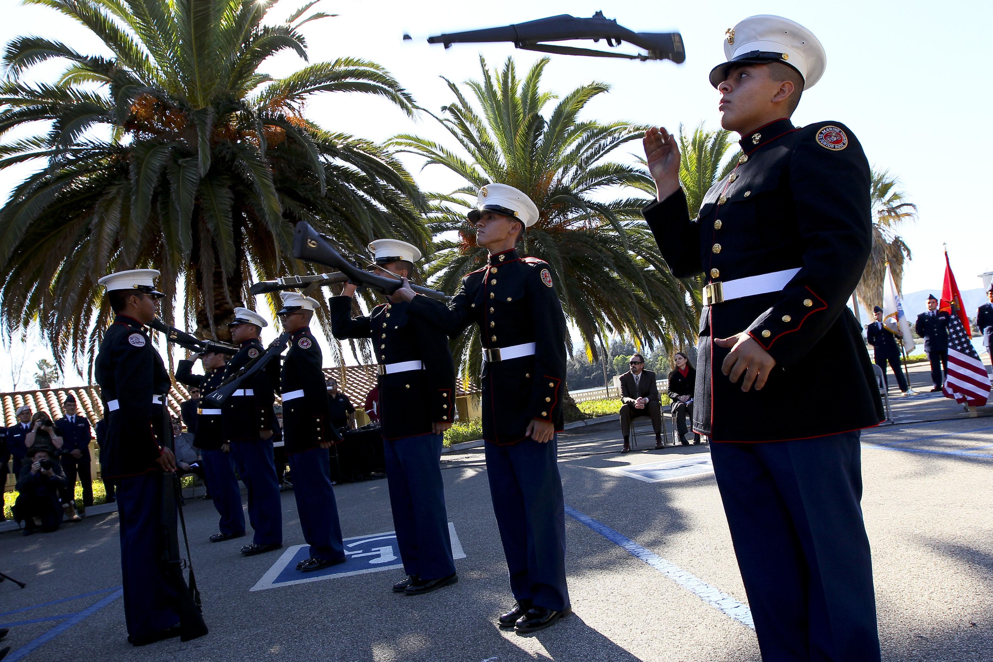 File Us Navy N Hw977 625 Members Of The U S Marine