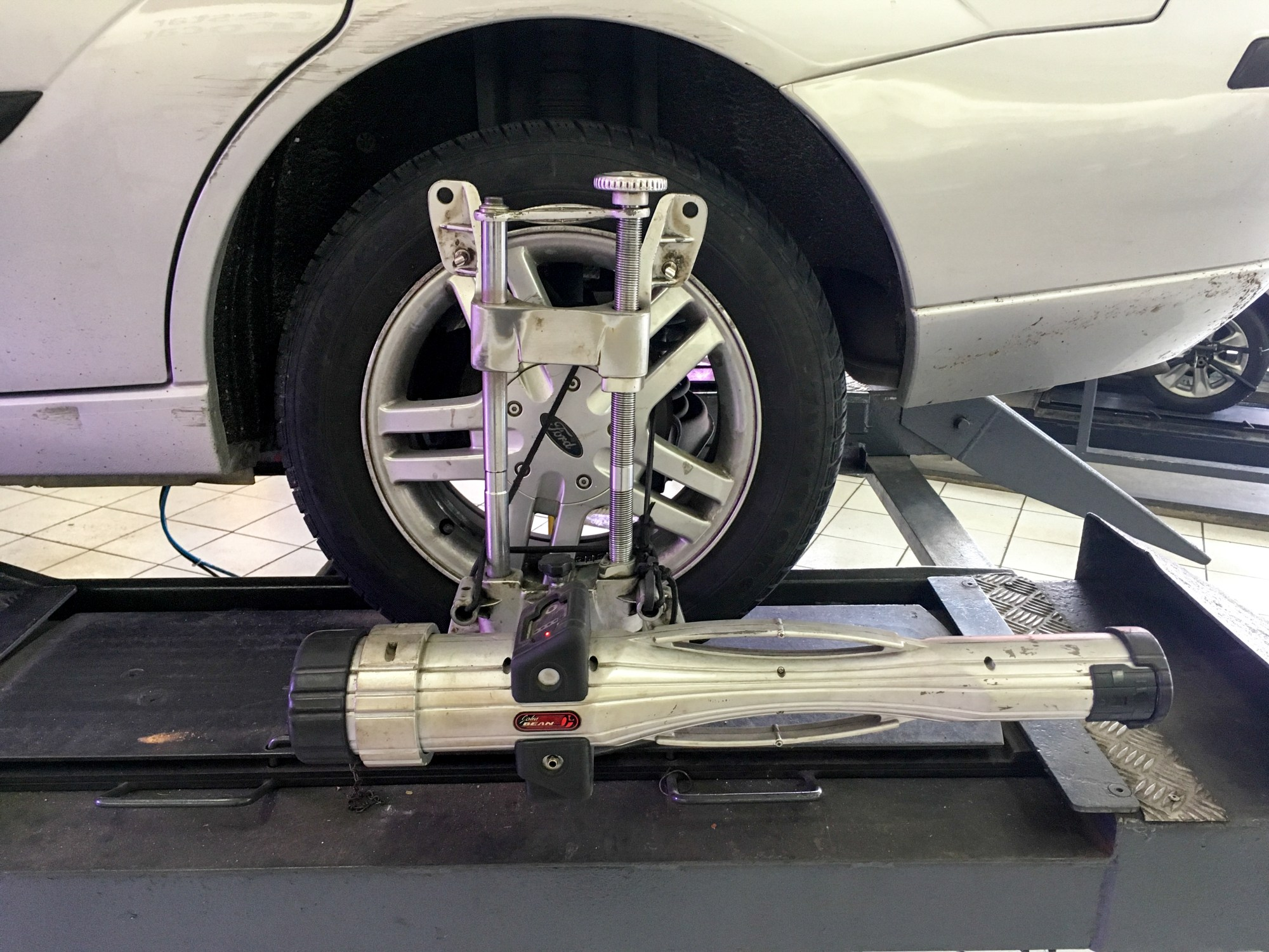 hight resolution of wheel alignment