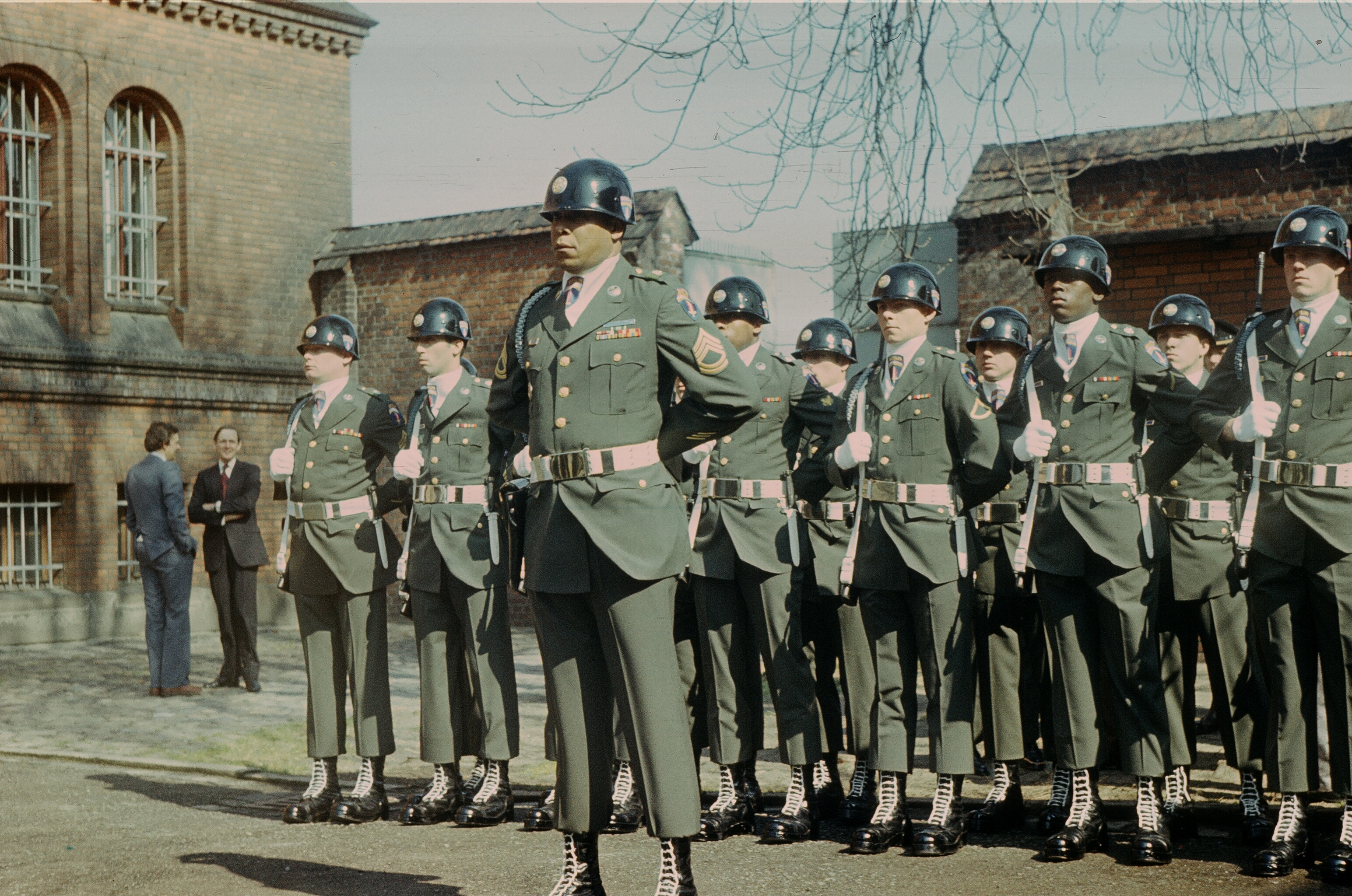 sofa army germany 4 seat dimensions 3089x2048 american guards at the infamous spandau prison