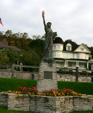 File:Ladyliberty mackinacisland.jpg