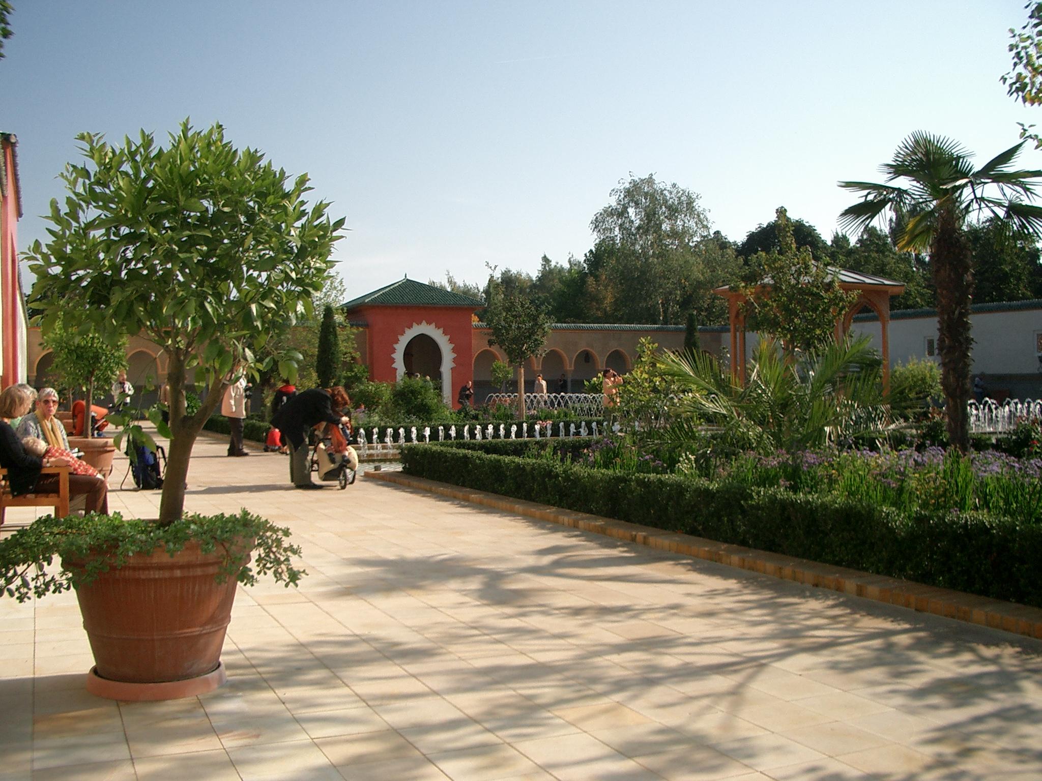 Fileorientalischer Garten Marzahnjpg  Wikimedia Commons