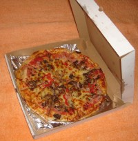 File:Pizza Toscana in box.JPG - Wikimedia Commons