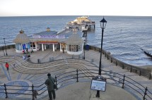 File Cromer Pier Norfolk England-2jan2012 1