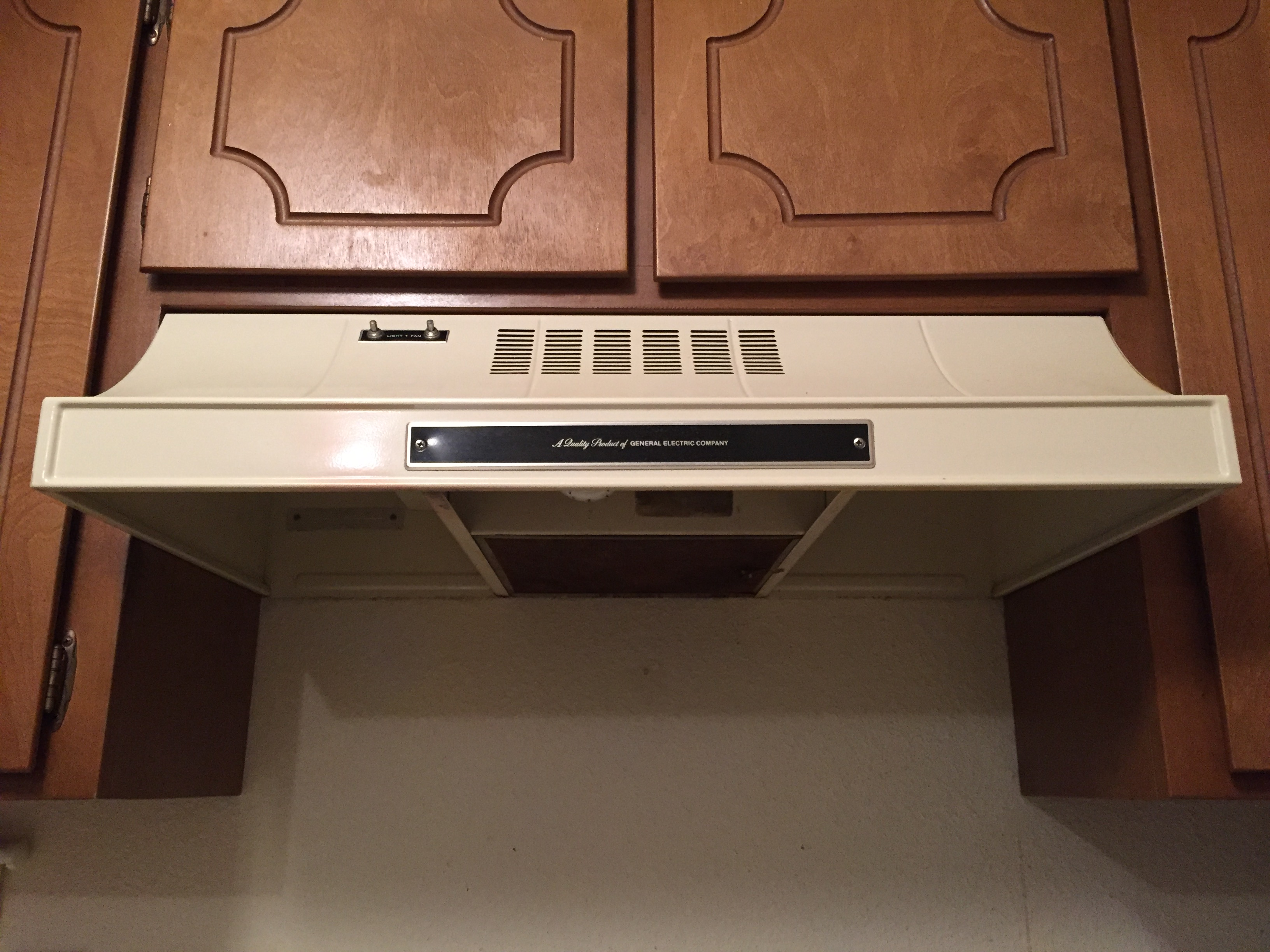 https commons wikimedia org wiki file general electric oven exhaust hood model n320 003ad img01 jpg