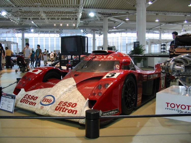 1999 Toyota TS020 01.jpg