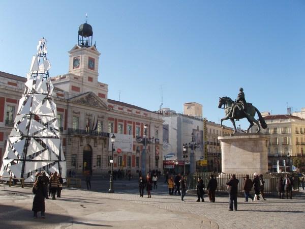 File Puerta Del Sol 3 - Wikimedia Commons