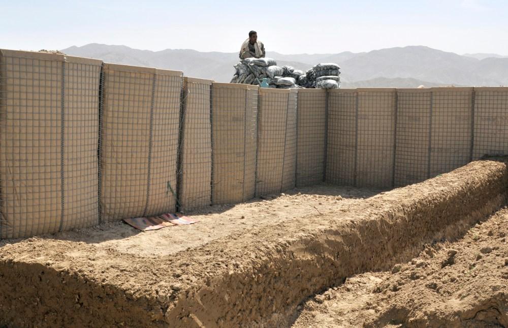 Bilderesultat for afghanistan pakistan wall
