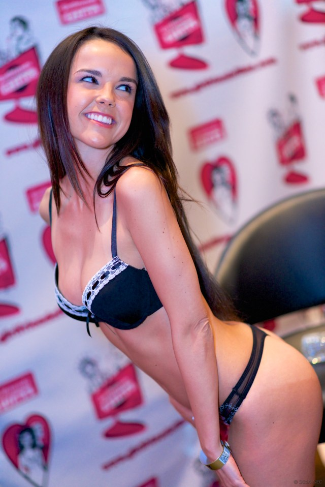 Filedillion Harper At The 2014 Avn Adult Entertainment Expo Aee Jpg