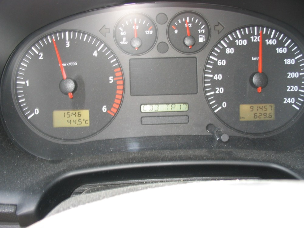medium resolution of file seat leon toledo 1m instrument panel jpg