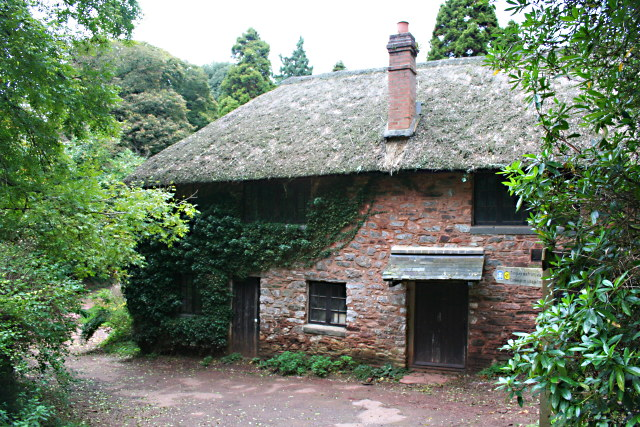 File:Gamekeepers Cottage, Manscombe Woods - geograph.org.uk - 1015775.jpg