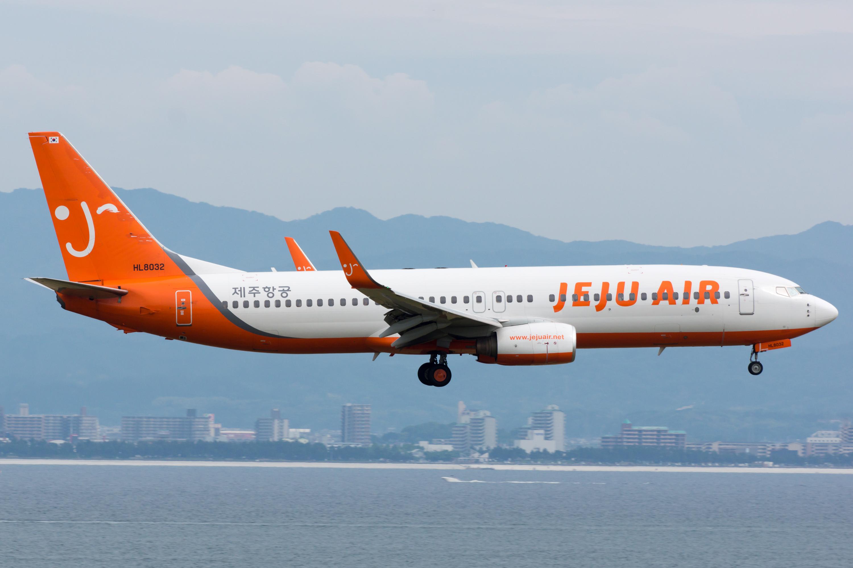 File:Jeju Air, B737-800, HL7780 (18299869020).jpg - Wikimedia Commons